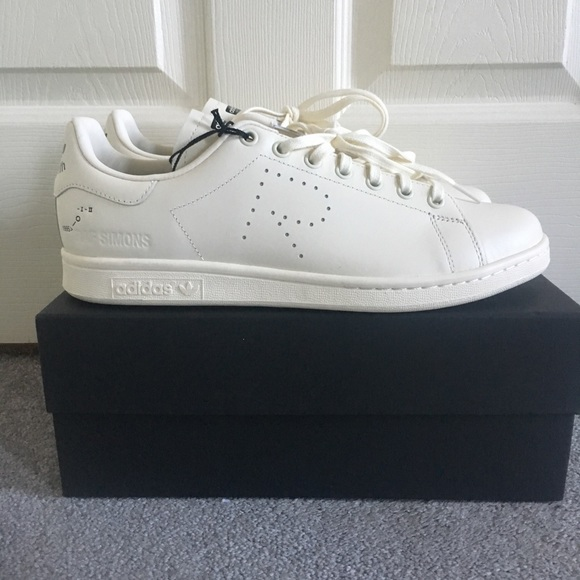 premium selection f7f80 88316 Adidas x Raf Simons Stan Smith NWT